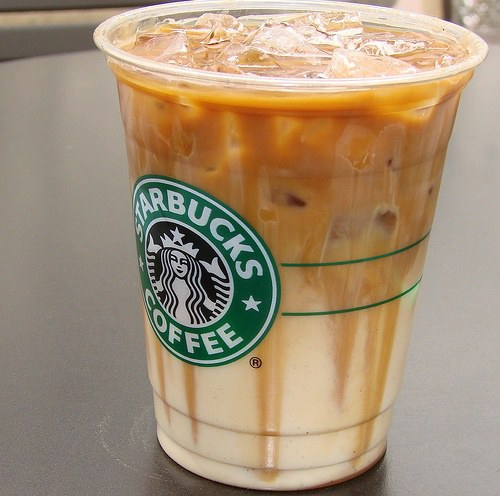 The grande-sized, fluid ounce, skinny caramel macchiato made with nonfat milk from Starbucks has calories, 10 of which are from fat, with 1 gram of total fats and grams of saturated fat. It contains 10 milligrams of cholesterol, with 21 grams of carbohydrates and 18 grams of sugar but no dietary fiber.