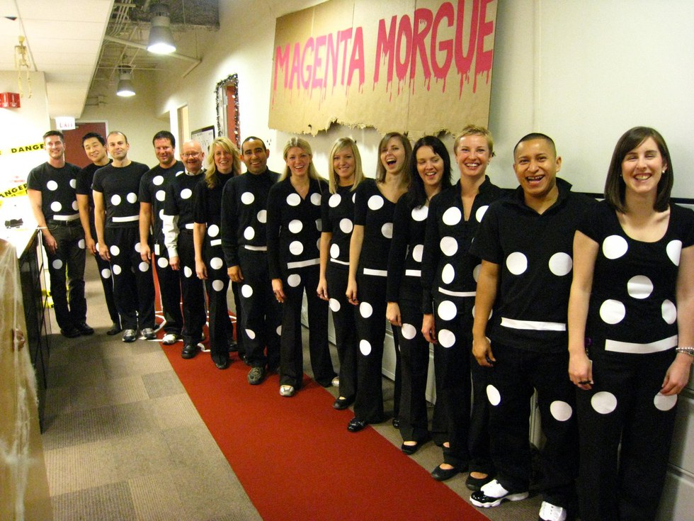 24 best halloween costumes for big groups 11 dominos super easy to diy solutioingenieria Image collections