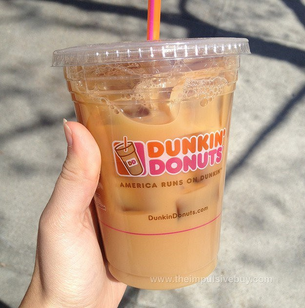6 Reasons Dunkin' Donuts Will ALWAYS Dunk On Starbucks