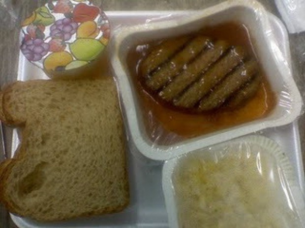 6 Disgusting Grade School Lunches We Actually Ate Every Day