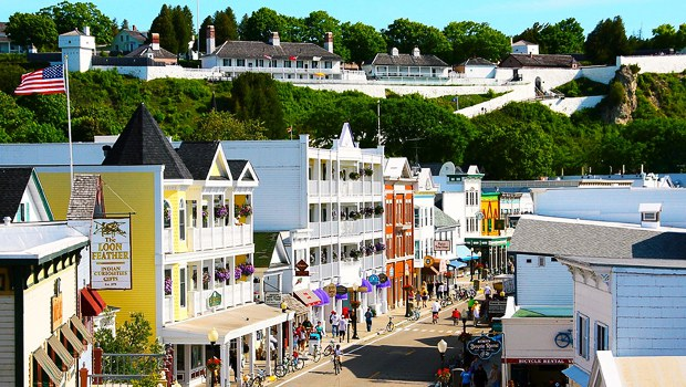 mackinaw island the perfect vacation place for tourists
