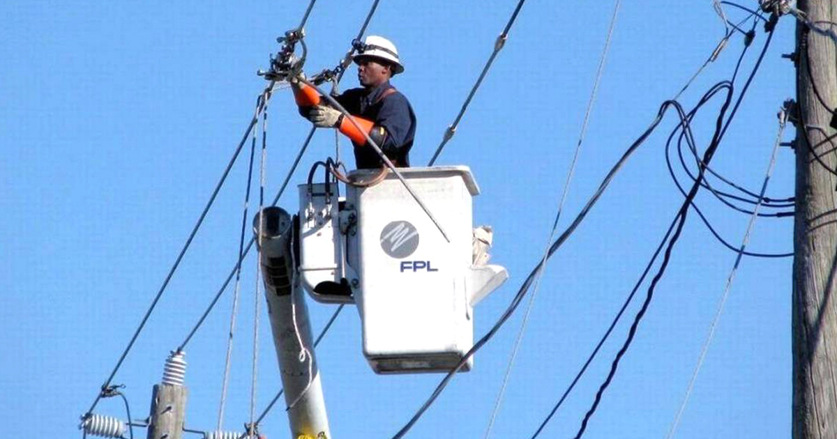 photo image 15 Million in Florida Lose Power During Hurricane Irma: Utilities Say Full Recovery Could Take Weeks