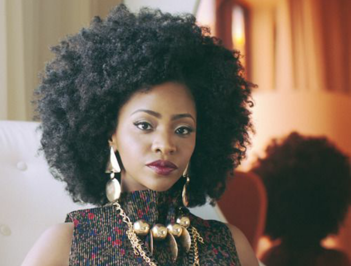 11 ways to style your natural hair 1. Afro