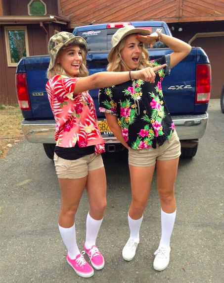31 greatest diy halloween costumes for college students this costume is a hawaiian shirt khaki shorts a hat and bonus points for a camera solutioingenieria Choice Image