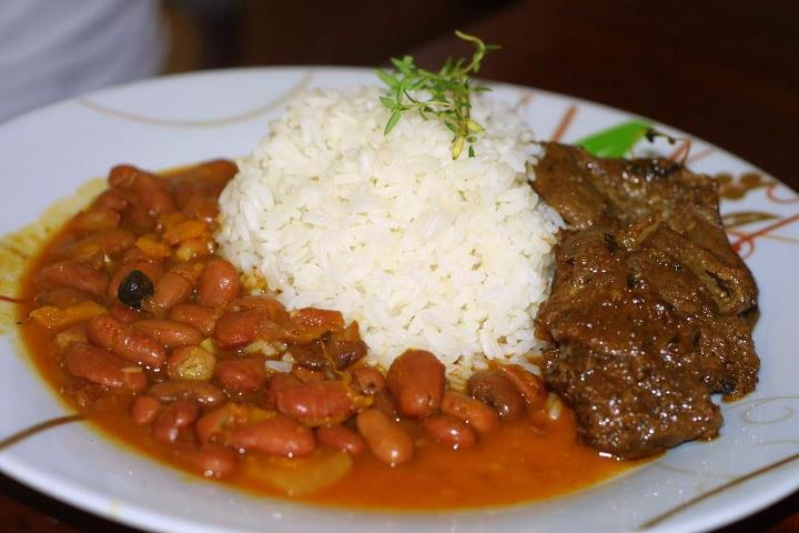 21 dominican republic dishes and drinks for your foodie bucket list this meal is as dominican as you can get the common mans meal like americas burgers and fries is la bandera this simple yet incredible dish forumfinder Image collections