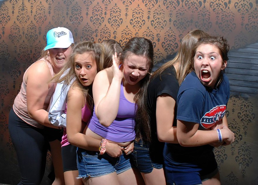 Hysterical Moments When People Got Scared To Death At A - 22 side splitting haunted house reactions