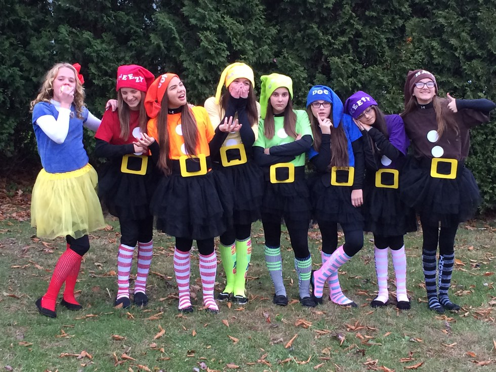 3) Snow White and the Seven Dwarves & 11 Group Costume Ideas For Halloween