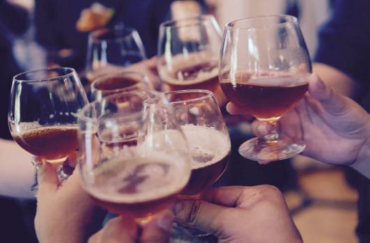 wie erkenne ich alkoholiker