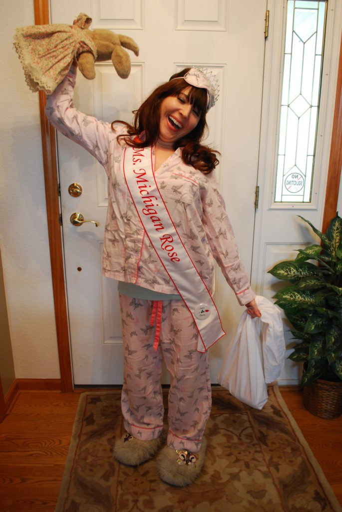 If you love sleeping as much as I do youu0027ll love this costume idea! Roll out of bed (or put on a new pair of pajamas) and put on a tiara. BOOM!  sc 1 st  Odyssey & 14 Last Minute Halloween Costume Ideas