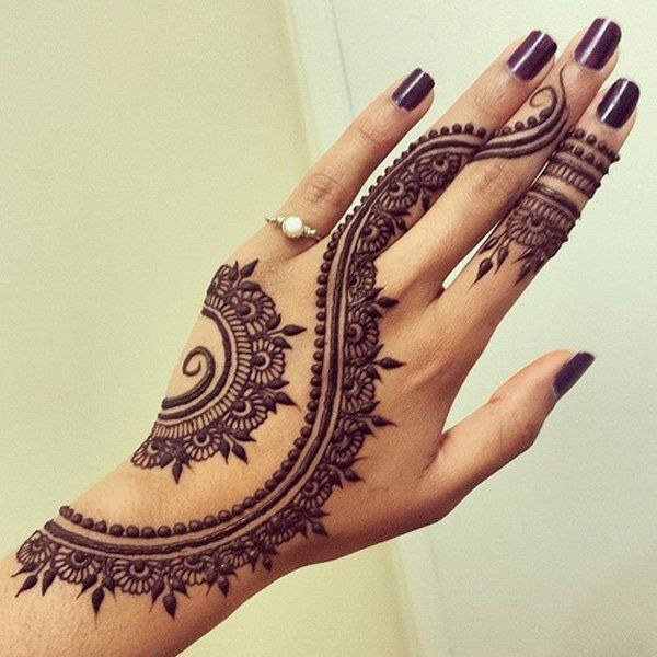 12 Intricate Henna Designs You Need To See