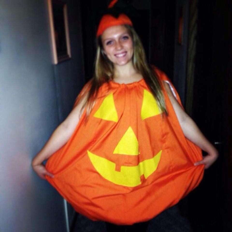 13 basic halloween costumes you're already seeing girls wear around