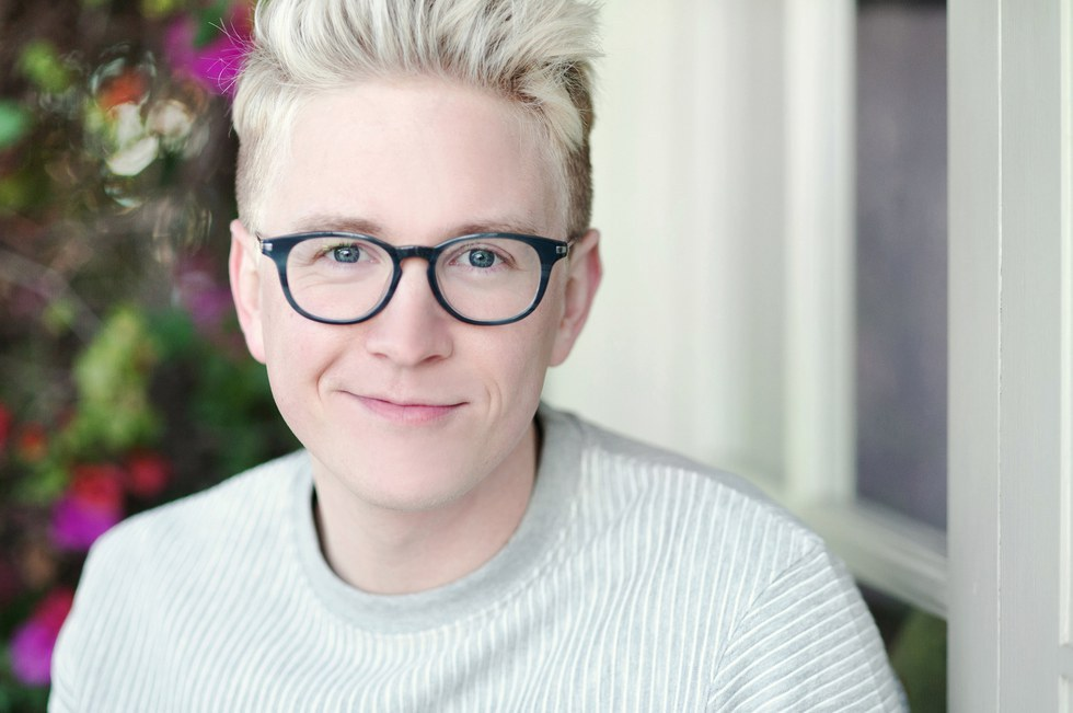 Tyler Oakley Is A Household Name In The Youtube Community The Michigan Born Social Media Mogul First Started His Youtube Channel Back In 2007 And Quickly