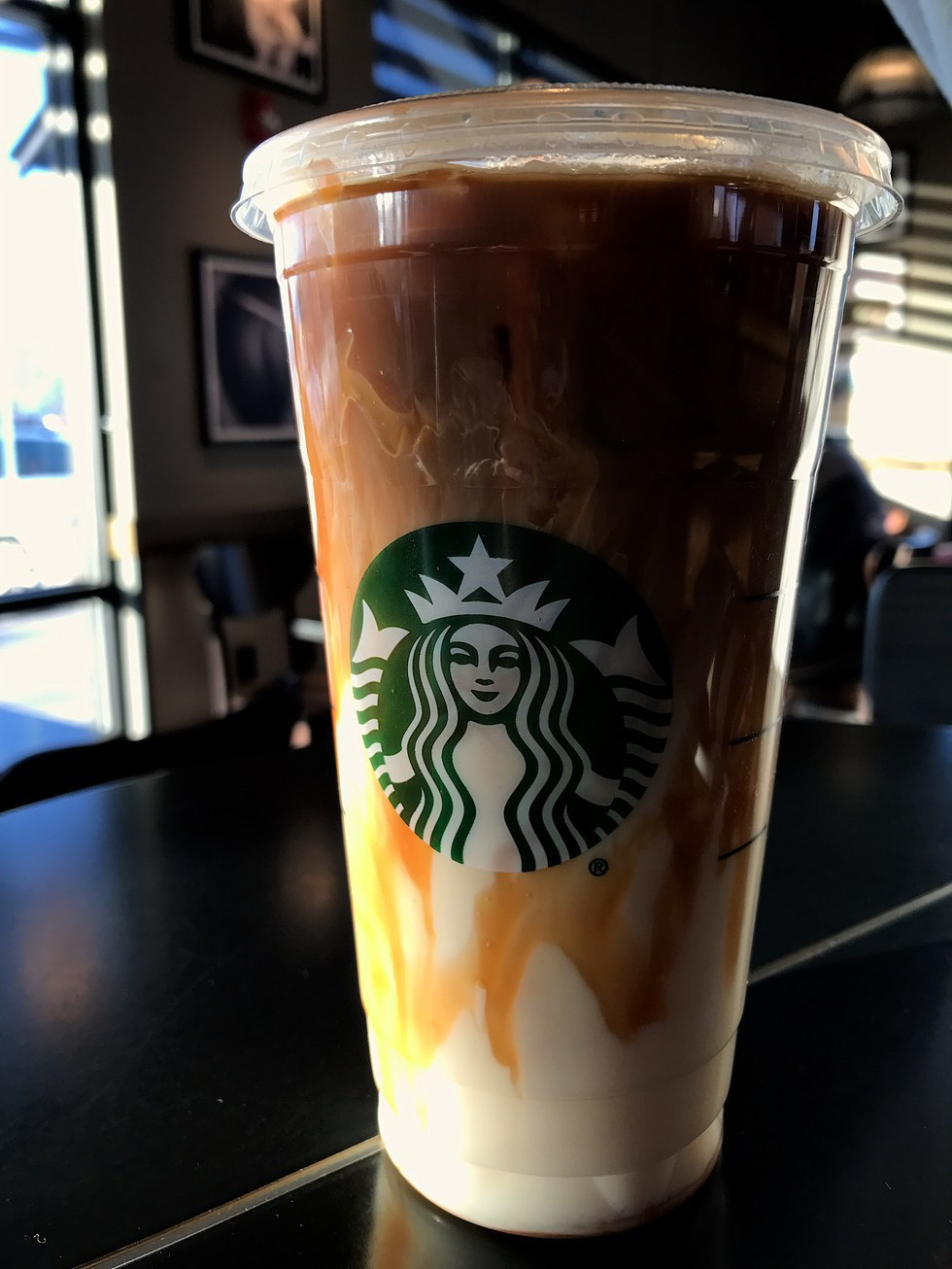This Drink Is Beautiful And Tastes Amazing It The Perfect Mix Of A Sweet Creamy But What Actually Caramel Macchiato From Starbucks