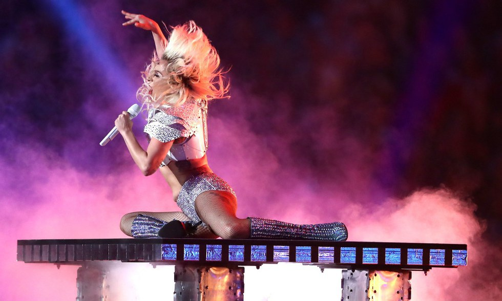 lady gaga the best new artist essay Mental illness is poorly-funded and deserves more attention, empathy and treatment around the world, lady gaga has written in a new op-ed, and she hopes everyone can be part of a new movement to.