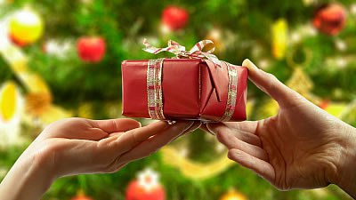 9 reasons christmas is the best holiday as great as it is to open presents im actually talking about giving gifts here for many giving gifts is a love language a way of expressing love that negle Images