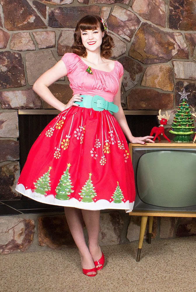 Maybe Youre Feeling A Skirt Rather Than An Entire Dress This Is Perfect For You All Need Cute Vintage Christmas Brooch And Petticoat