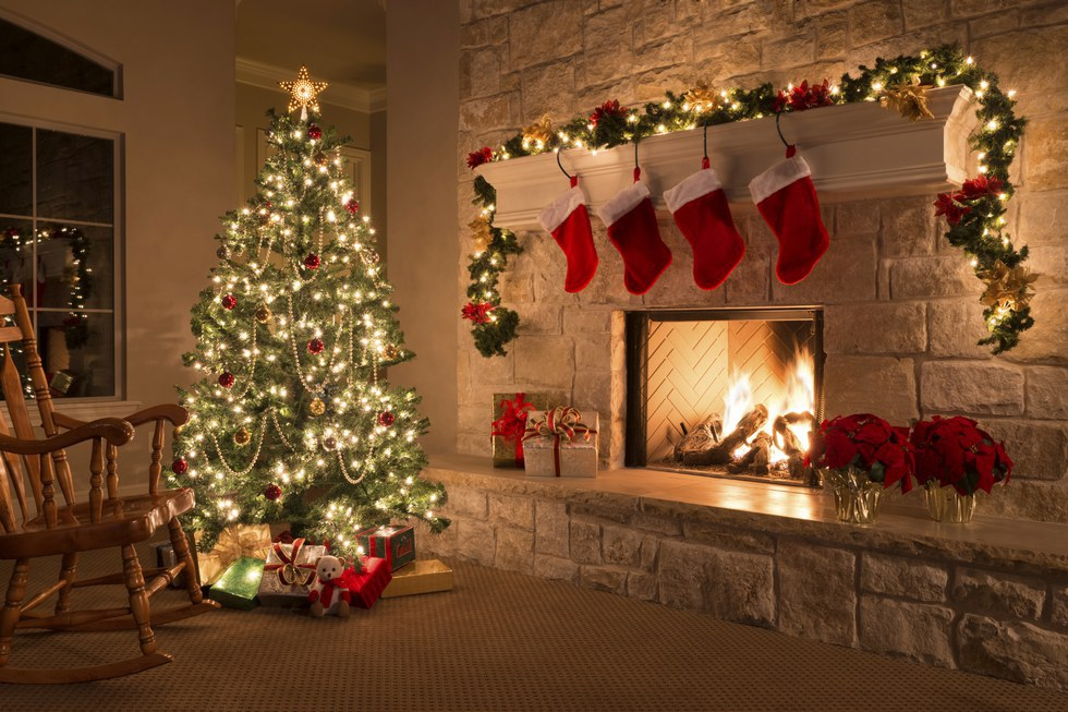 decorating the christmas tree is a family event - American Christmas