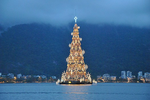 7 Most Beautiful Christmas Trees in the World