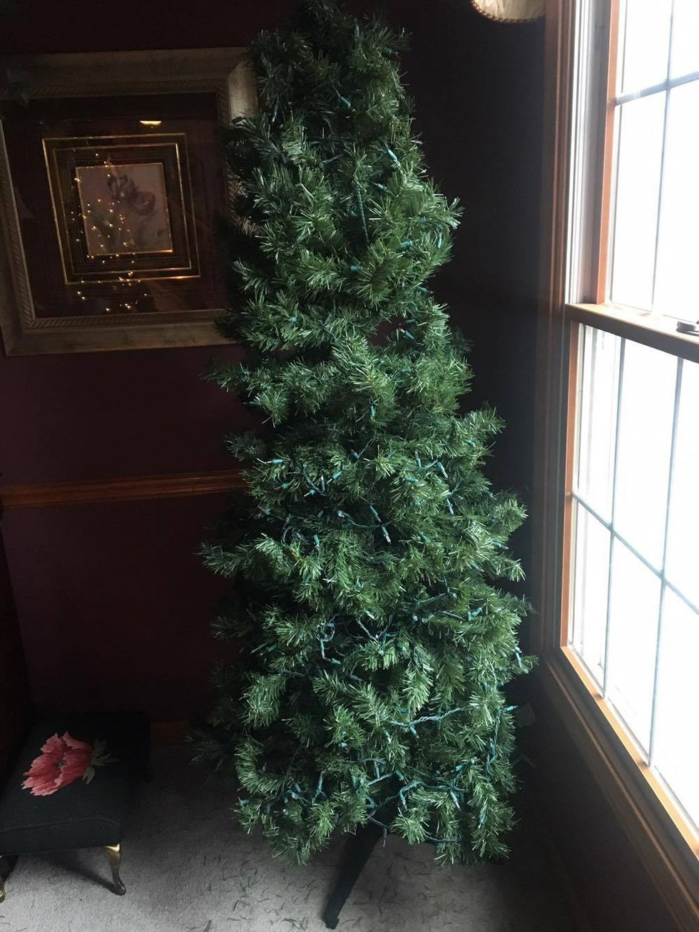 The Best Way To Decorate Your Christmas Tree This Year