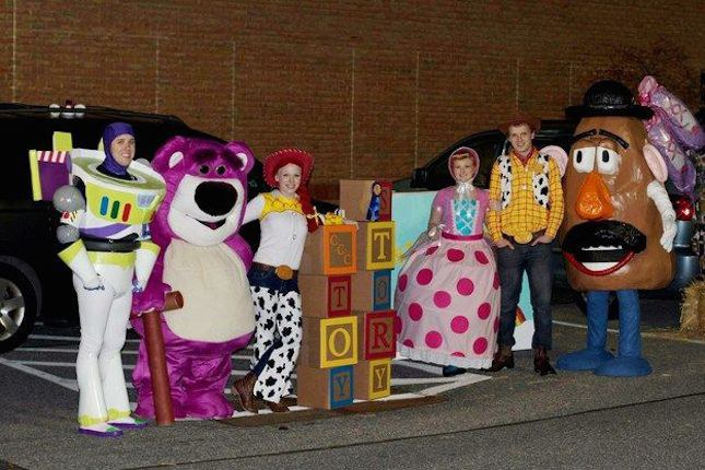 So what better way to show more friendship by getting all your friends to dress up as the Toy Story characters for Halloween! & 12 Group Halloween Costumes That Scream #SQUADGOALS