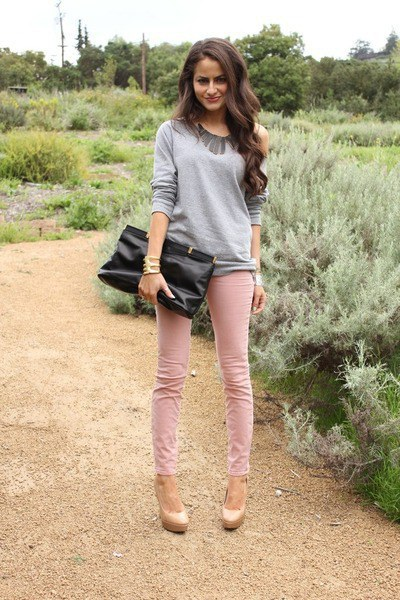 2297985821 Dusty pink is very popular wherever you go. Plus