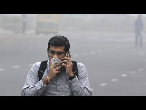 photo image India Air Pollution Crisis Worsens: Government Plans to Spray Capital With Water