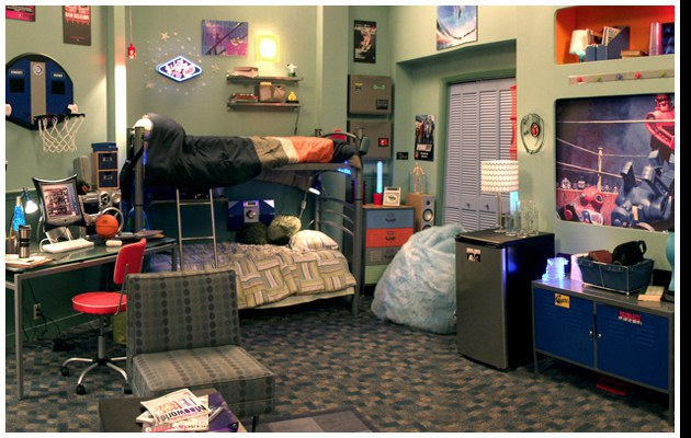 Zoey 101 dorm room decor