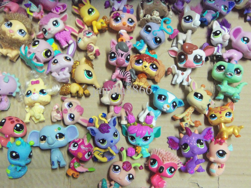 Toys From The 2000s : Toys you had to collect all of growing up in the early