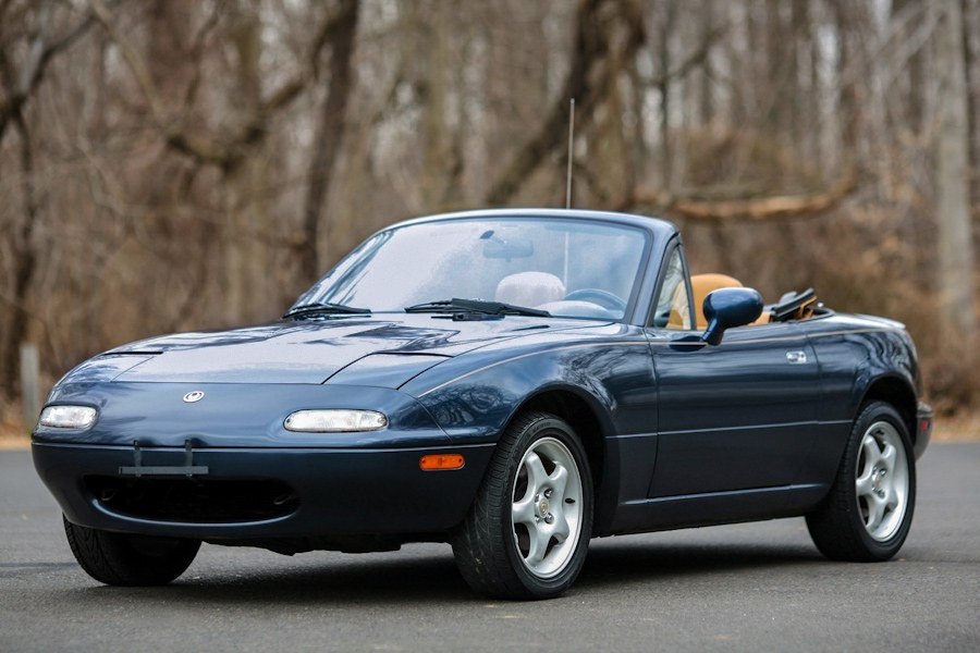 If Youu0027re Searching For Your First Car And You Want A Sports Car, Not A Lot  Of Cars Can Beat The Mazda Miata, Guinness World Recordu0027s Best Selling  Roadster.
