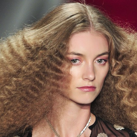 crimping hair style 1980s s fashion 1322 | 980x