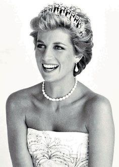 Theories Surfaced That Princess Dianas Death In A French Tunnel 1997 Was Not Car Accident But Instead She Murdered
