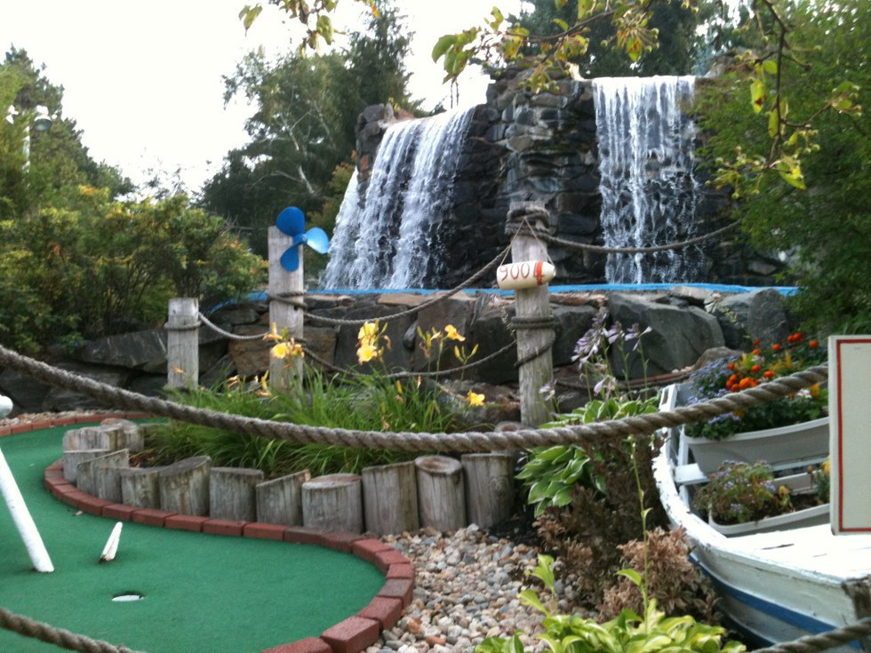 20 things to do in upstate new york this summer mini golf is perfect for date night a family outing or even a day out with your friends its always fun to bet on who will win too sciox Gallery