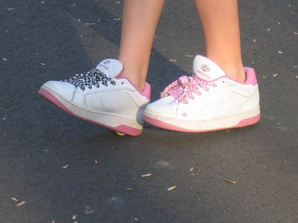 10 Horrible Fashion Trends From Our Middle School Days