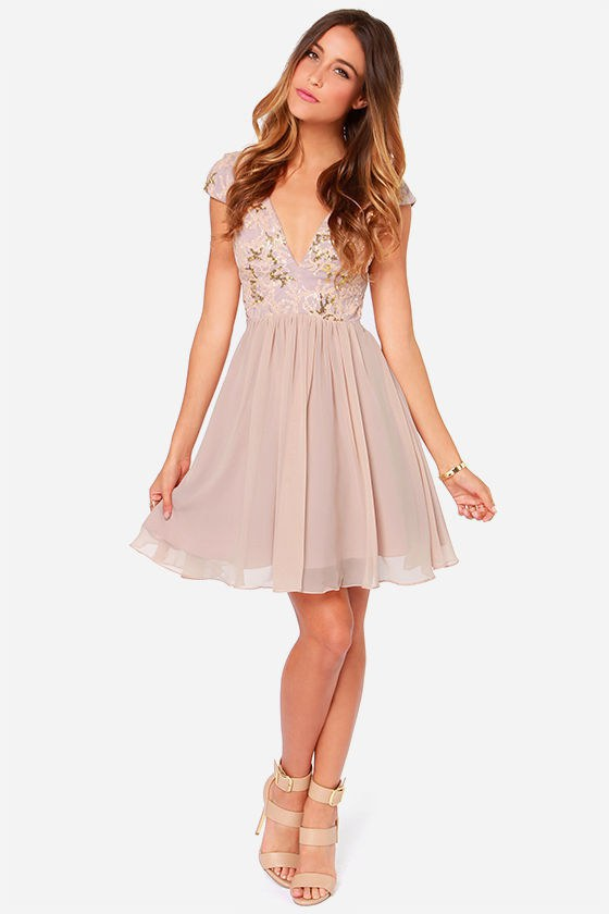 ff5d3e3e702f 10 Dresses To Wear To A Sorority Or Fraternity Formal