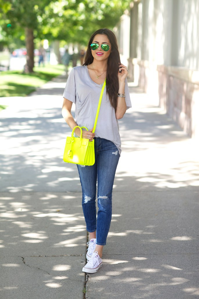 413db91bd22b You can never go wrong pairing your Converse with jeans and a tee. The  color and style of jeans are completely up to you as well as the fit and  style of ...