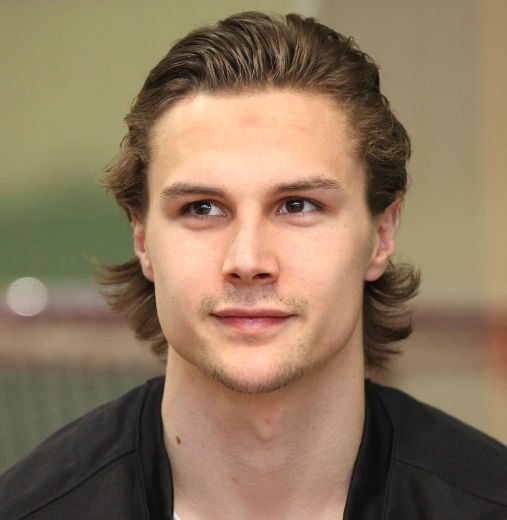 If There Is One Thing Hockey Boys Are Known For Its Their Flow Long And Flippy Just Beckoning You To Come Run Your Fingers Through It