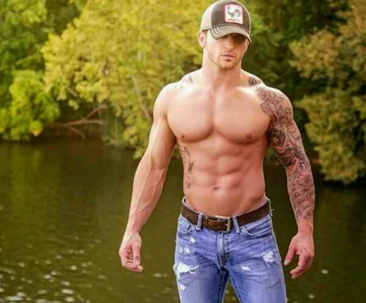 10 Reasons To Date A Country Boy