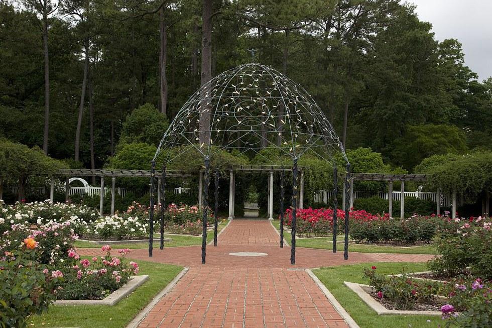 Popular and less popular places you must see in birmingham for Birmingham botanical gardens birmingham al