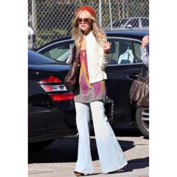 4 Reasons Flared Jeans Should Not Come Back