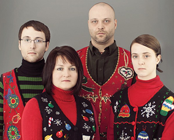 11 Failed Family Christmas Photos