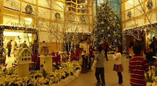 9 Things Every Clevelander Must Do This Holiday Season