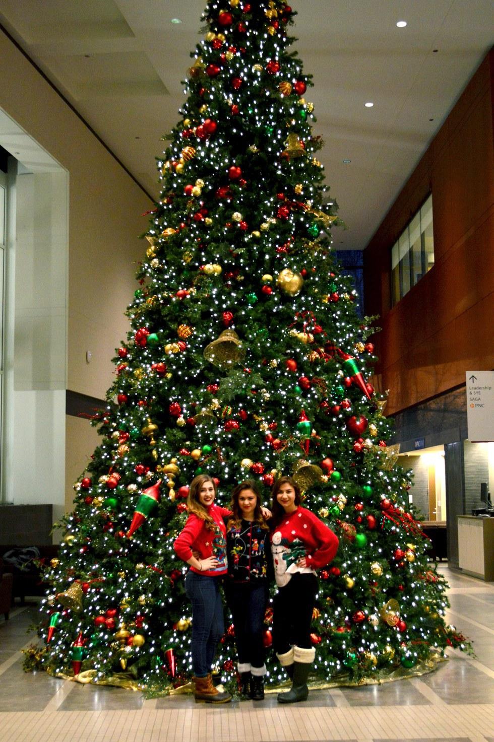 Christmas Tree Thanksgiving Hours