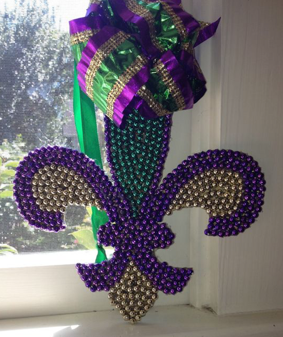 12 creative ways to reuse and recycle your mardi gras beads wall decorations amipublicfo Images