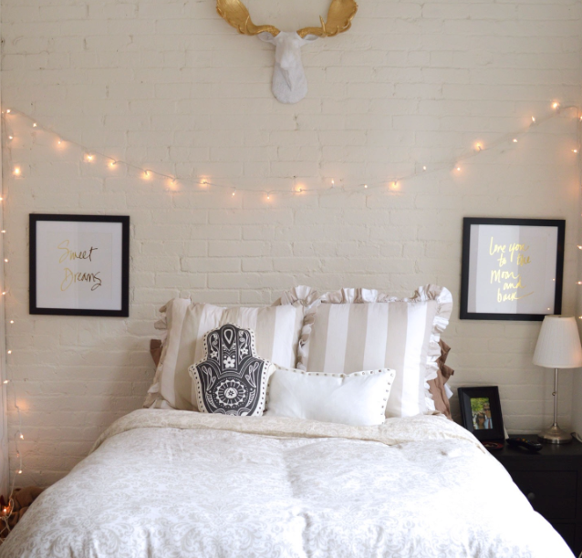 How To Turn Your Dorm Room Into The Ultimate Hangout Spot
