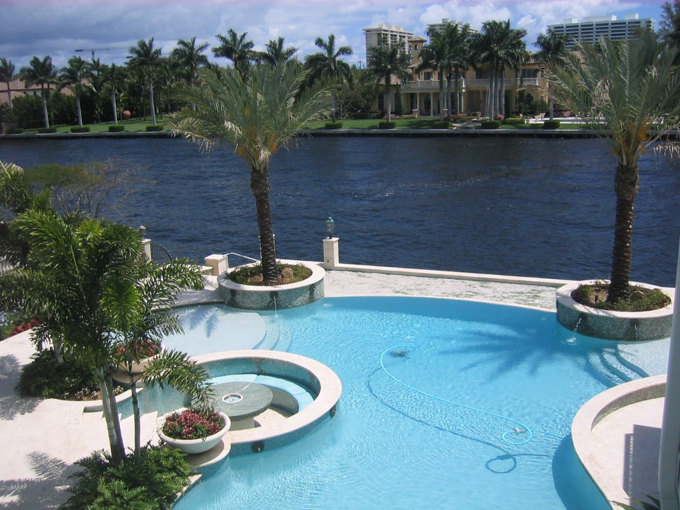 18 signs you 39 re from south florida for Pool design regrets