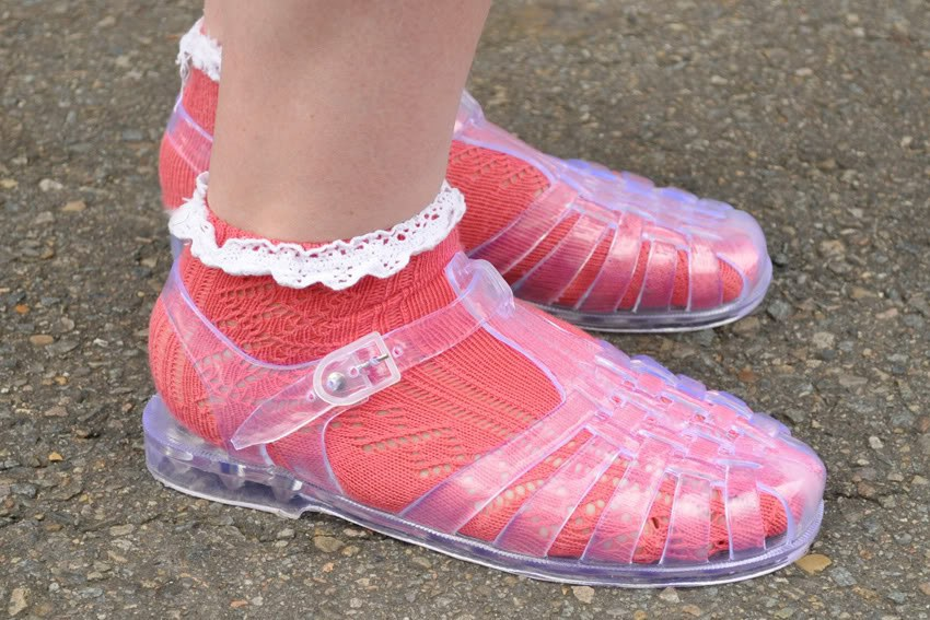 b9d84801cb40 The jelly sandals that rocked with socks 50 percent of the times you wore  them.