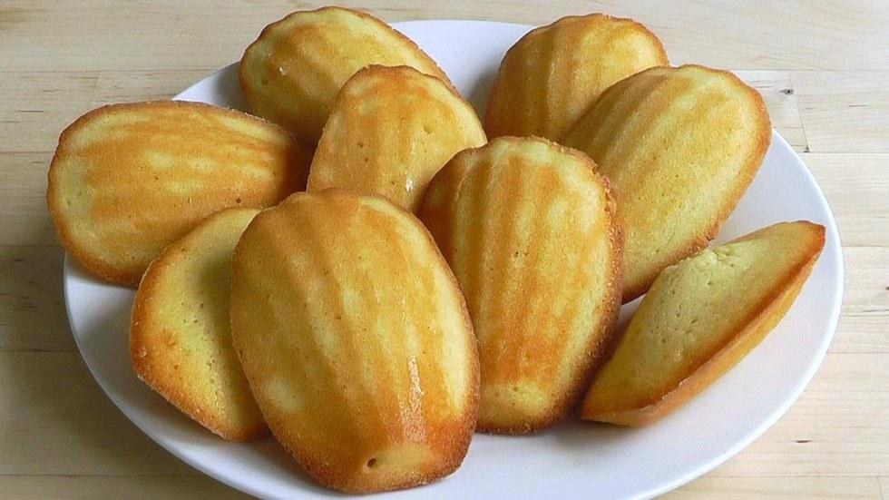 Lemon Cream Cake La Madeleine