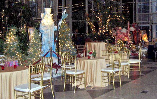 Things To Do In Pittsburgh During The Holidays - The 6 craziest christmas displays around the world
