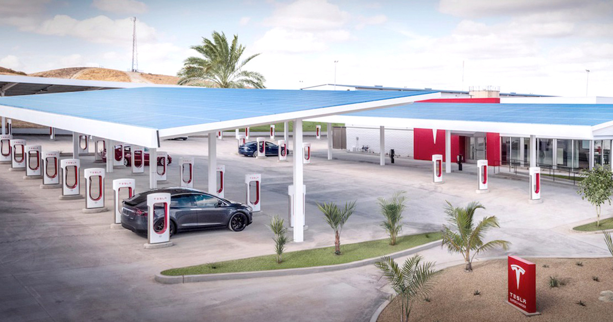 Tesla Opens Largest U.S. Supercharger Stations to Date and That s a Big Deal