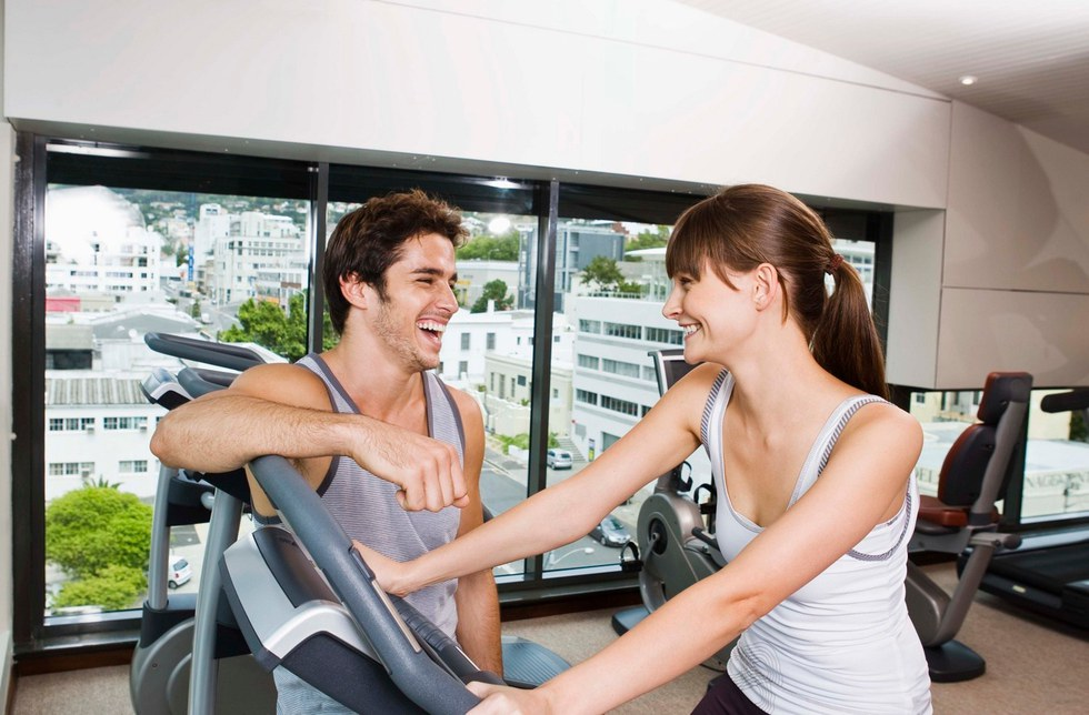 hitting on girls at the gym